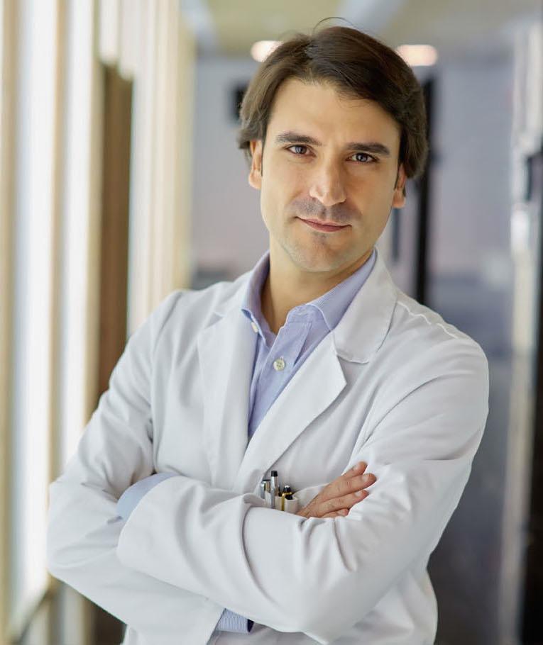 Alberto Hernández columna vertebral