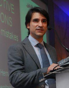Dr. Alberto Hernandez Especialista de Columna Vertebral