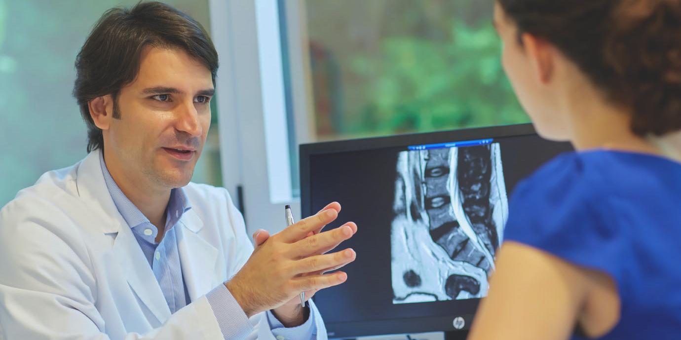Cirugia Columna Vertebral Donostia Dr. Alberto Hernandez Especialista de Columna Vertebral